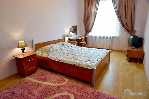 Квартира в центре Киева, 3х-комнатная (43124), 004