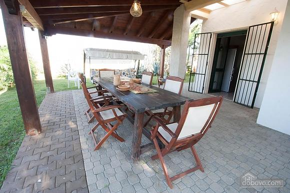 Villa with Mediterranean Garden, Three Bedroom (52277), 001