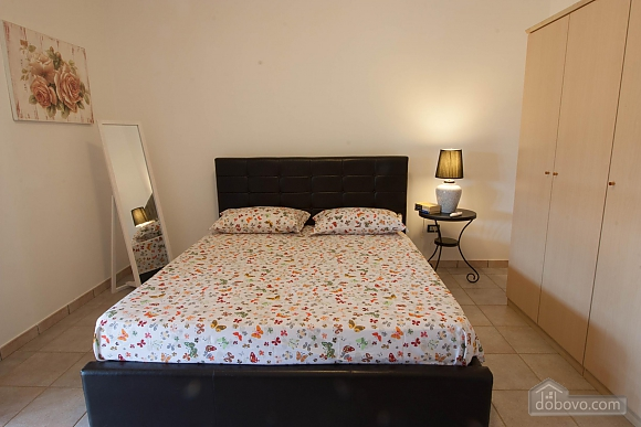 Villa with Mediterranean Garden, Three Bedroom (52277), 005