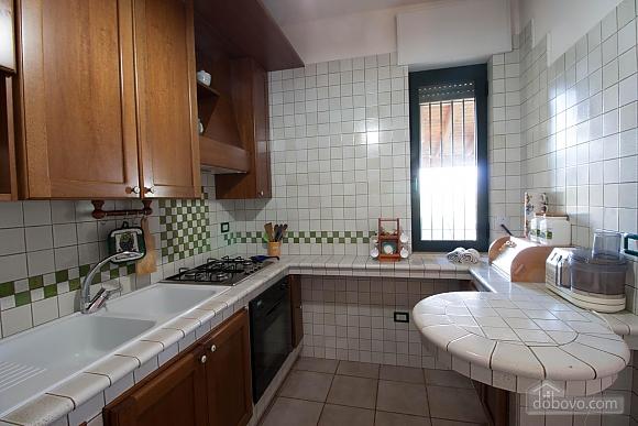 Villa with Mediterranean Garden, Three Bedroom (52277), 009