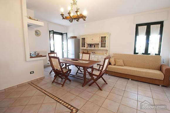 Villa with Mediterranean Garden, Three Bedroom (52277), 012