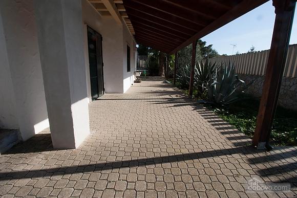 Villa with Mediterranean Garden, Three Bedroom (52277), 013