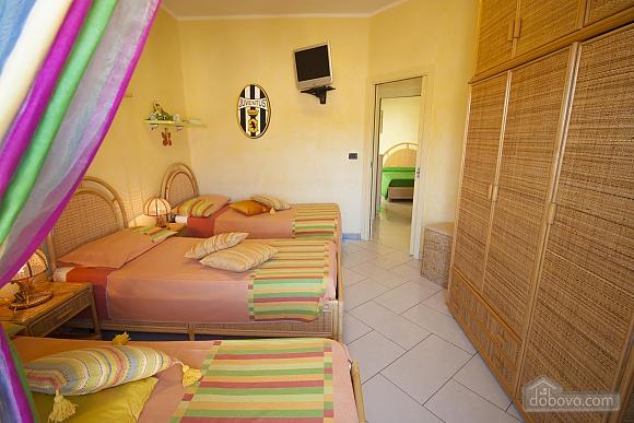 Seaside Holiday Home Gallipoli, Three Bedroom (16610), 005