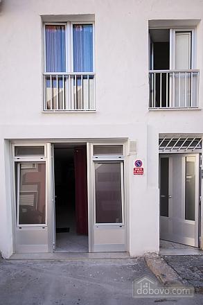 Современная студия в Галлиполи, 1-комнатная (22378), 003