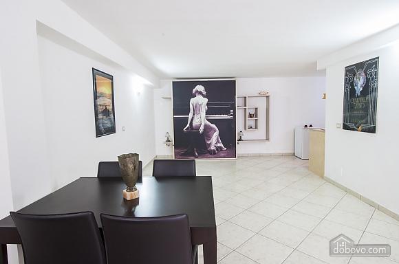 Современная студия в Галлиполи, 1-комнатная (22378), 004