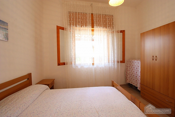 House in seaside town, One Bedroom (43482), 005
