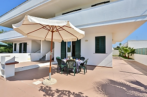 House with sea view of sandy beach, Two Bedroom, 002