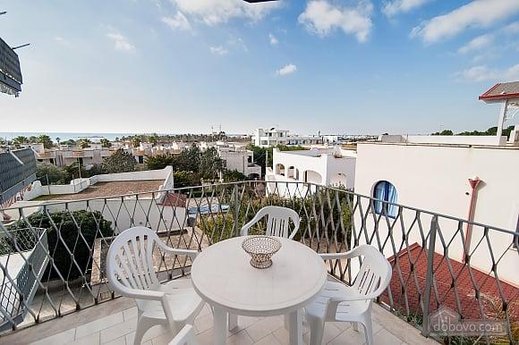 Апартаменты рядом с пляжем, 4х-комнатная (43046), 001