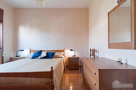 Апартаменты рядом с пляжем, 4х-комнатная (43046), 009
