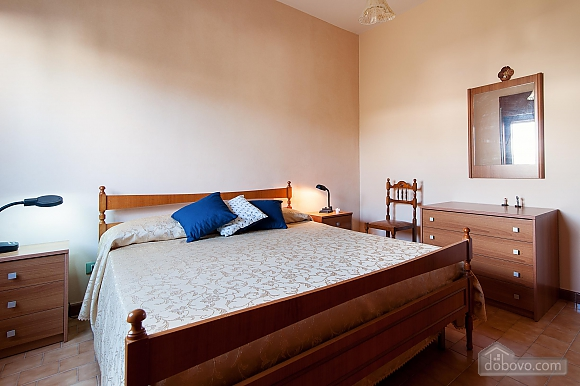 Апартаменты рядом с пляжем, 4х-комнатная (43046), 013