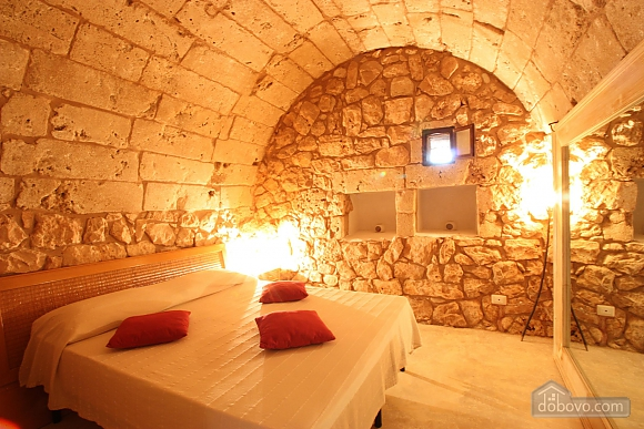Trullo surrounded by olive trees, One Bedroom (47383), 008