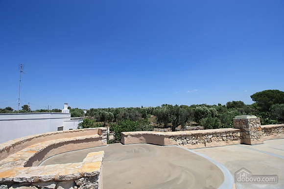 Trullo surrounded by olive trees, One Bedroom (47383), 031