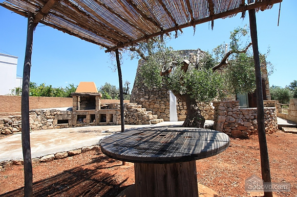 Trullo surrounded by olive trees, One Bedroom (47383), 046