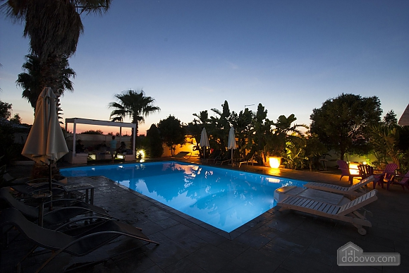 Villa with pool in Natural park, Cinq chambres (21423), 002