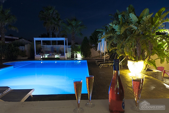 Villa with pool in Natural park, Cinq chambres (21423), 006