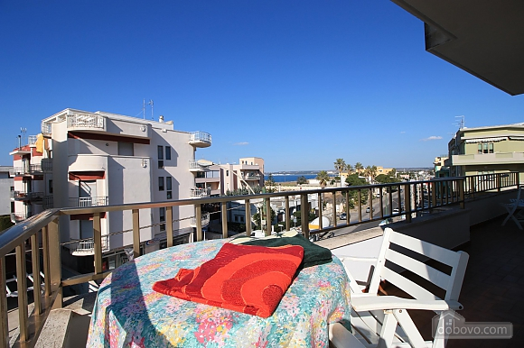 Seaside apartment in Gallipoli, Trois chambres (74047), 010