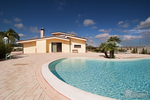 Spacious villa with pool, Four Bedroom (24310), 004