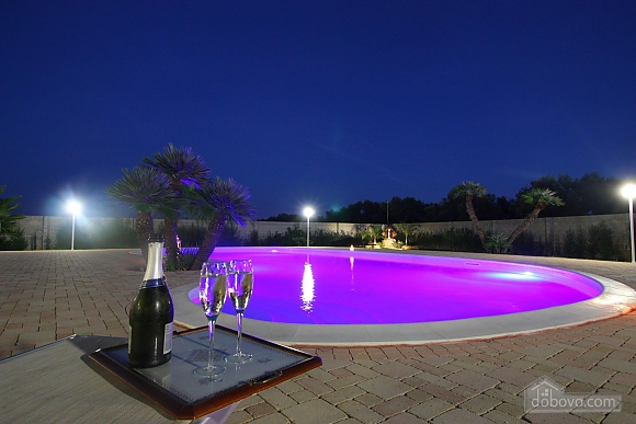 Spacious villa with pool, Four Bedroom (24310), 027