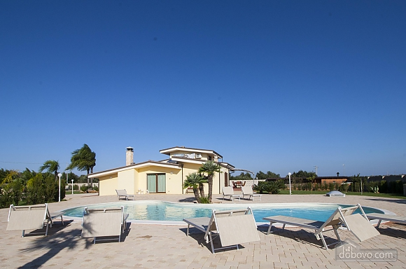 Spacious villa with pool, Four Bedroom (24310), 032