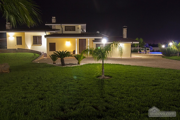 Spacious villa with pool, Four Bedroom (24310), 039