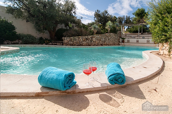 Villa and pool inside the park, Una Camera (13875), 001