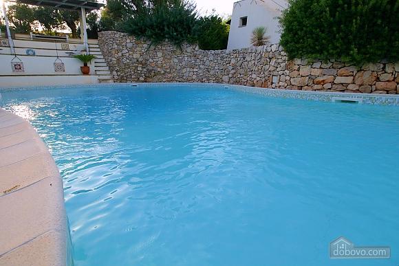 Villa and pool inside the park, Una Camera (13875), 010