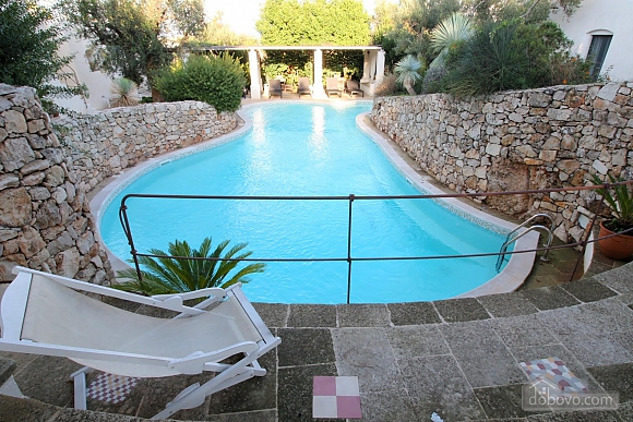 Вилла и бассейн внутри парка, 2х-комнатная (13875), 013