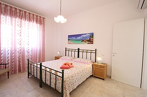 Villa 200 meters from the sea, Trois chambres, 002