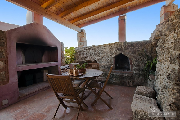 Trullo in 8000 square meter park, Deux chambres (56540), 001