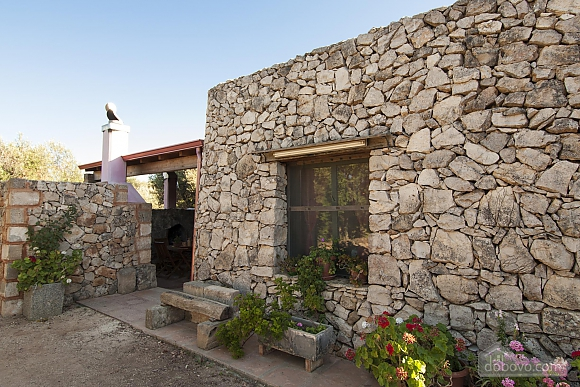 Trullo in 8000 square meter park, Deux chambres (56540), 002