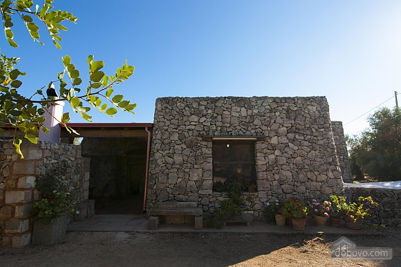 Trullo in 8000 square meter park, Deux chambres (56540), 003