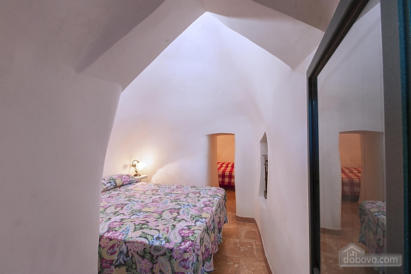 Trullo in 8000 square meter park, Deux chambres (56540), 008