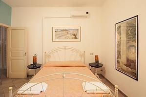 Apartment near the sea in Gallipoli, Un chambre, 003