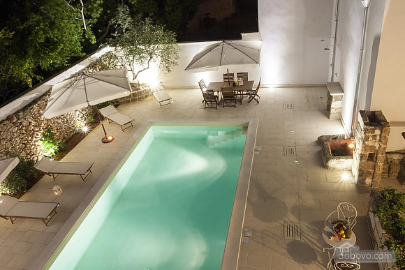 Early 20th century house and pool, Un chambre (61183), 006
