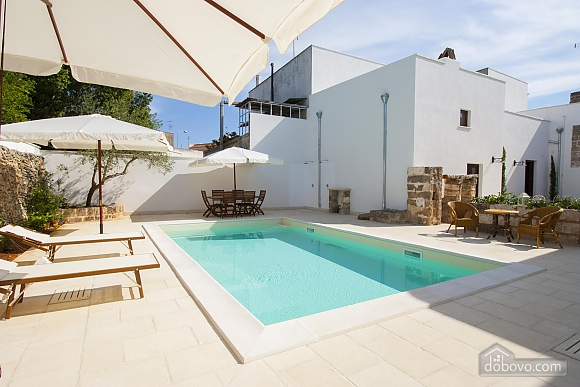 Early 20th century house and pool, One Bedroom (61183), 025