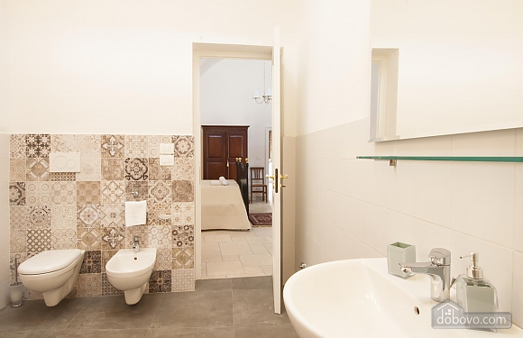 Early 20th century house and pool, One Bedroom (61183), 037