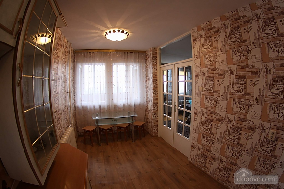 Apartment with a designer renovation for 2 guests, Studio (13742), 004