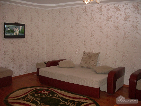 Затишна і світла квартира з євроремонтом, 1-кімнатна (58774), 002