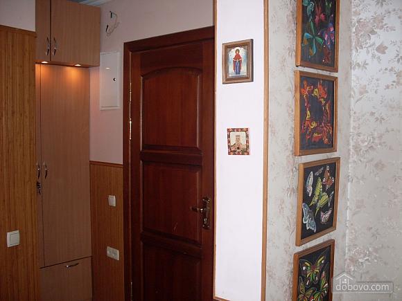 Затишна і світла квартира з євроремонтом, 1-кімнатна (58774), 010