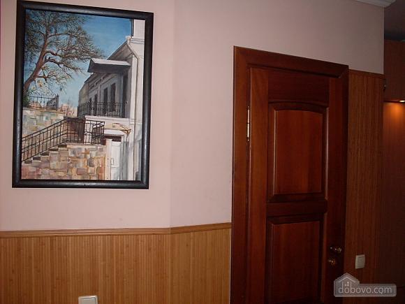 Затишна і світла квартира з євроремонтом, 1-кімнатна (58774), 011