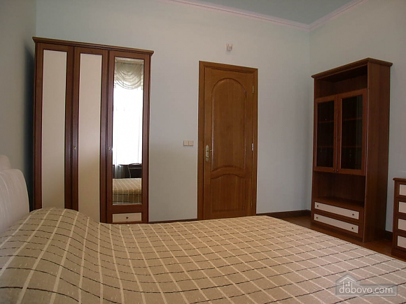 Large apartment, Two Bedroom (37510), 010
