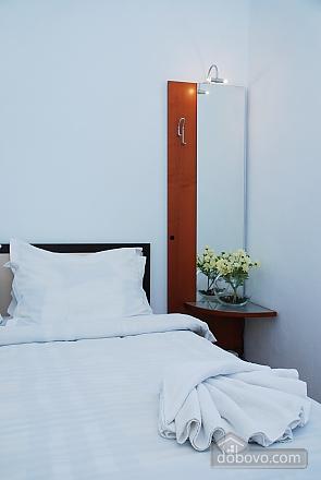 20 Pushkinska, Two Bedroom (60027), 006