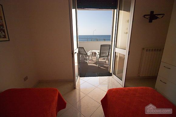 Beautiful beachfront villa, Quattro Camere (32717), 006