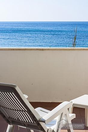 Beautiful beachfront villa, Quattro Camere (32717), 008