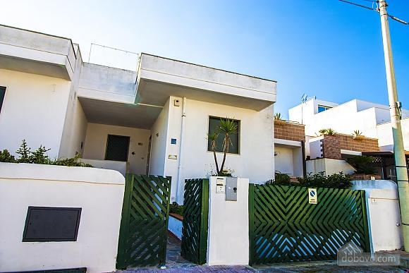 Beautiful beachfront villa, Quattro Camere (32717), 009