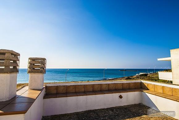 Beautiful beachfront villa, Quattro Camere (32717), 010