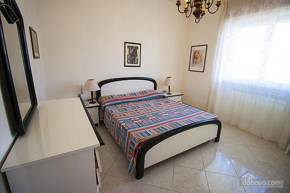 Beautiful beachfront villa, Quattro Camere (32717), 011