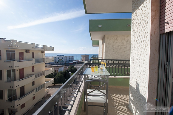 Spacious apartment in 50 meters from beach, Tre Camere (90357), 002