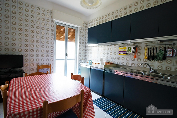 Spacious apartment in 50 meters from beach, Tre Camere (90357), 008