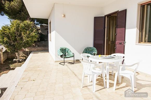 Spacious seaside villa in Torre Suda, Due Camere (90475), 016